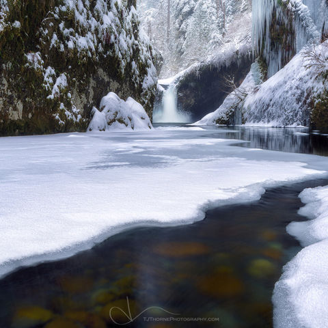 punchbowl falls, snow, winter, columbia river gorge, oregon
