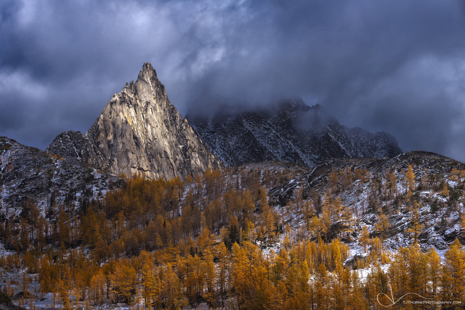the enchantments, prusik peak, washington, larch, photo