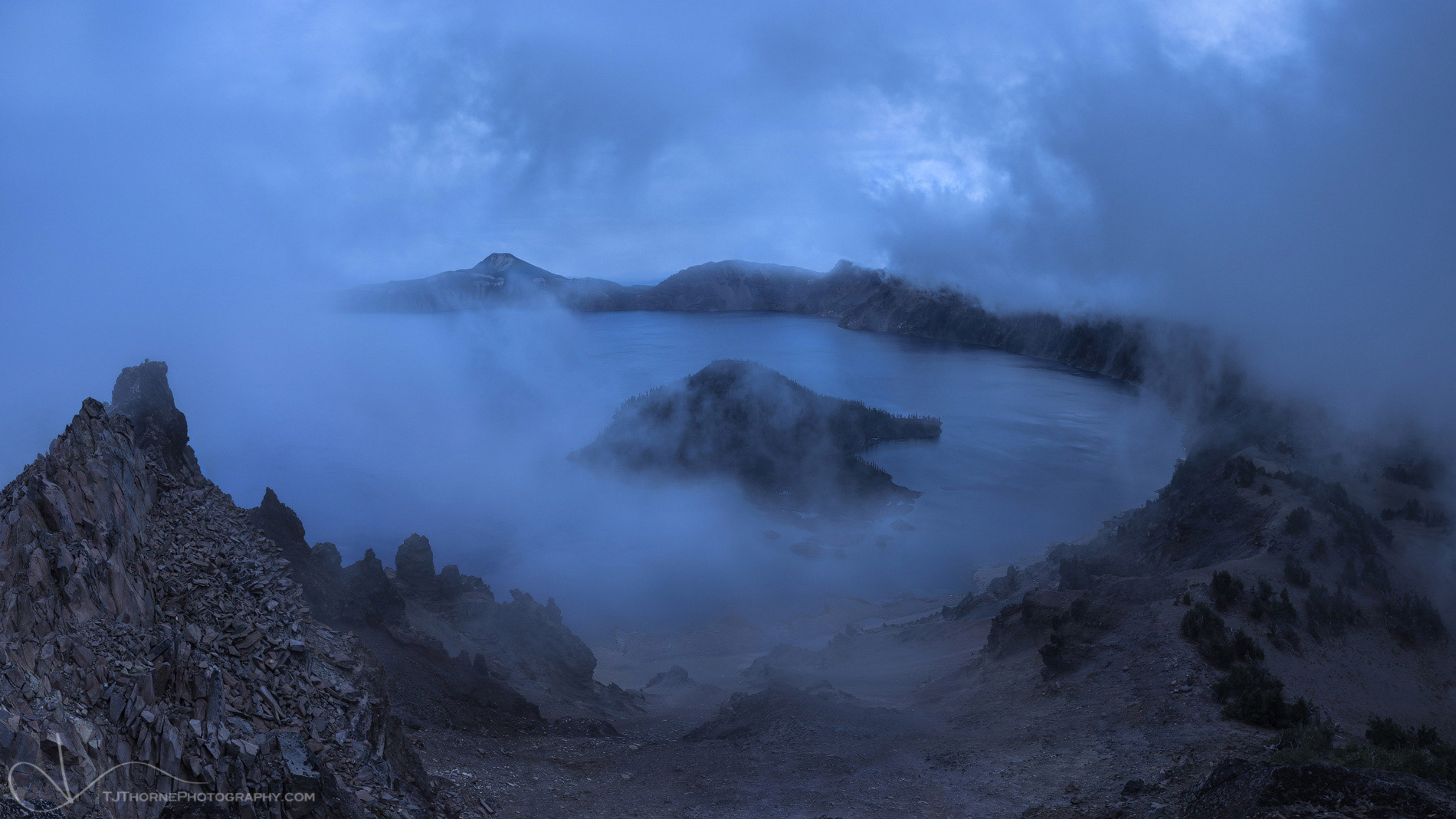 crater lake, oregon, lake, fog, panorama, artist-in-residency, photo